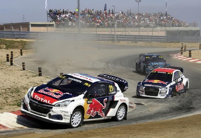 Sébastien Loeb et la PEUGEOT 208 WRX décrochent une belle deuxième place à Montalegre 63481758fc8d75513ce