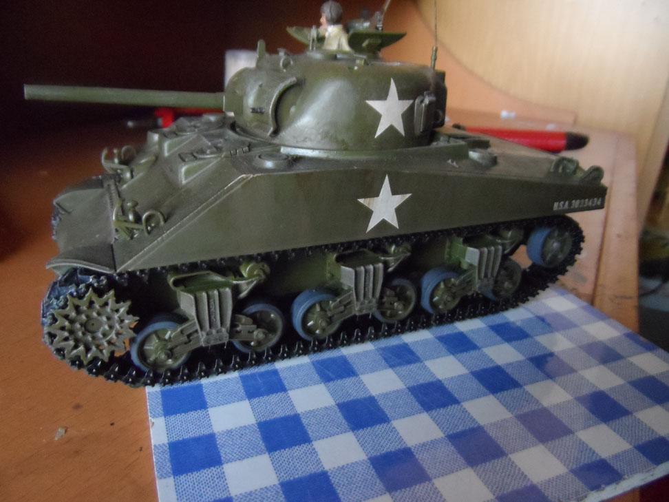 M4 Sherman late production Tamiya 1/35 - Page 4 637305SAM0445