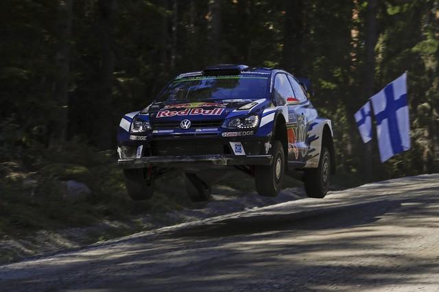 Rallye de Finlande : Latvala et Mikkelsen aux avant-postes, pépin pour Ogier  640976hd012016wrc08bk61872