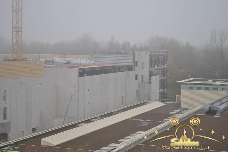"""Construction du Dark Ride  """"Ratatouille - L'Aventure Totalement Toquée de Rémy """"pour 2014 - Page 4 641771DSC0155border"""