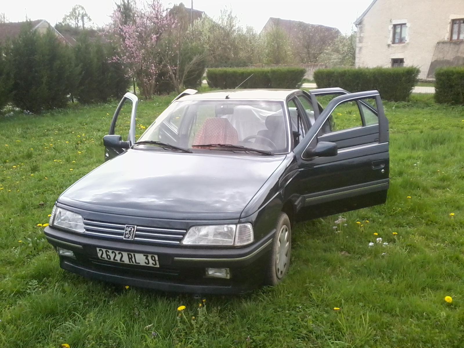 Présentation de ma nouvelle voiture, une Peugeot 405 Signature. 642218Photo0684