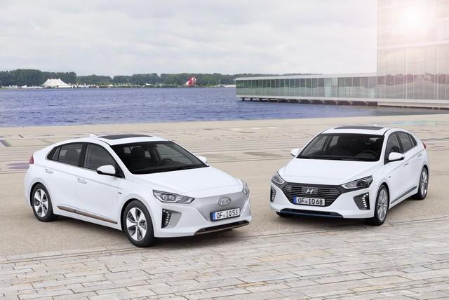 Des études confirment les valeurs résiduelles élevées des toutes nouvelles Hyundai IONIQ Hybrid et IONIQ Electric 643040AllNewIONIQElectricandHybrid
