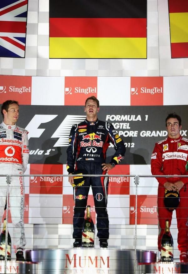 F1 GP de Singapour 2012: Victoire  Sebastian Vettel  6493302012JensonButtonSebastianVettelFernandoAlonso