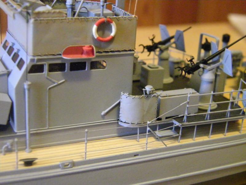 Chasseur de sous-marin CH 123 au 1/100e sur plan 6520301001749
