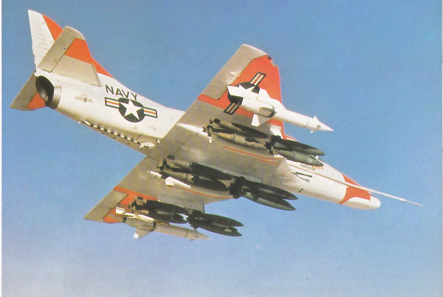 MCDONNELL-DOUGLAS F/A-18 HORNET  653289A_4D_5_1