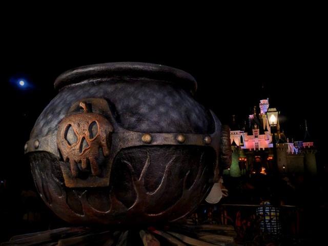 Hong Kong Disneyland Resort en général - le coin des petites infos - Page 7 659377w167