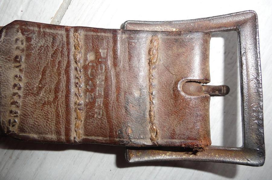 Ceinturons soviétiques  660396ceinturonlend2