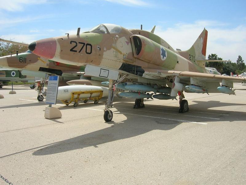 DOUGLAS A-4 SKYHAWK [NOUVELLE VERSION] 666163DouglasA4HSkyhawk8