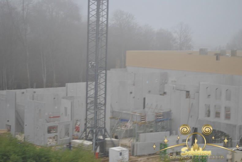 """Construction du Dark Ride  """"Ratatouille - L'Aventure Totalement Toquée de Rémy """"pour 2014 - Page 4 667247DSC0153border"""