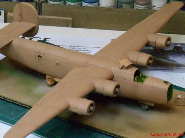 B24.D LIBERATOR kit 1/72 Revell 673504DSCN8494Copier
