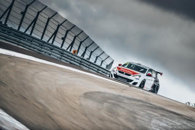 La Peugeot 308 Racing Cup Se Joue Des Conditions ! 67617059596785bfaa3