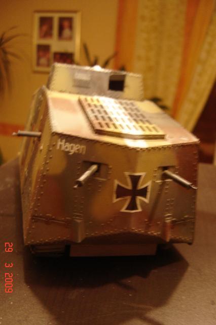 A7V [TAURO MODEL 1/35e] Le premier Panzer - Page 2 679512mars_2008_A7V_019m