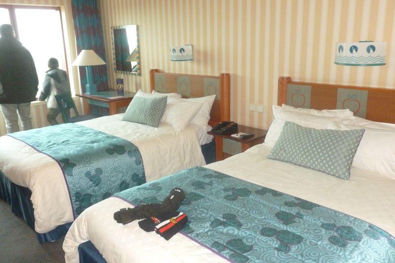 Les suites des Hôtels Disney, le Castle Club et l'Empire State Club. - Page 12 681374P1020312
