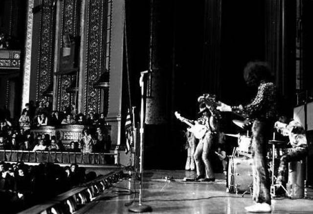 Detroit (Masonic Temple) : 23 février 1968  68211719680224jimidetroitmasonictempl