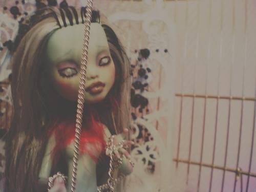 Woodoo Ih Poom{Monster High doll custom} ~up p.2~ 682316lucille2