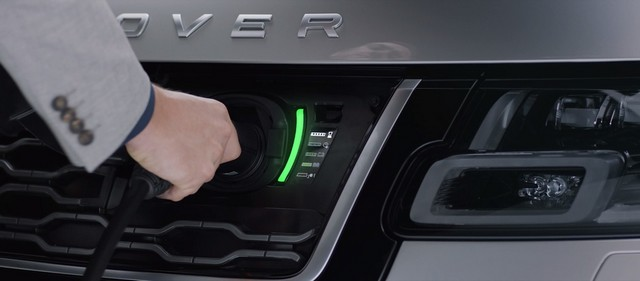 Le Nouveau Range Rover intègre dans sa gamme une motorisation essence hybride rechargeable 687826rrplugin1