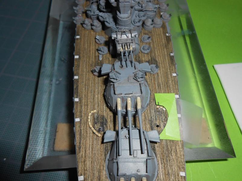 Yamato 1/700 fuji, PE,Pont en bois et babioles - Page 5 693011DSCN6281