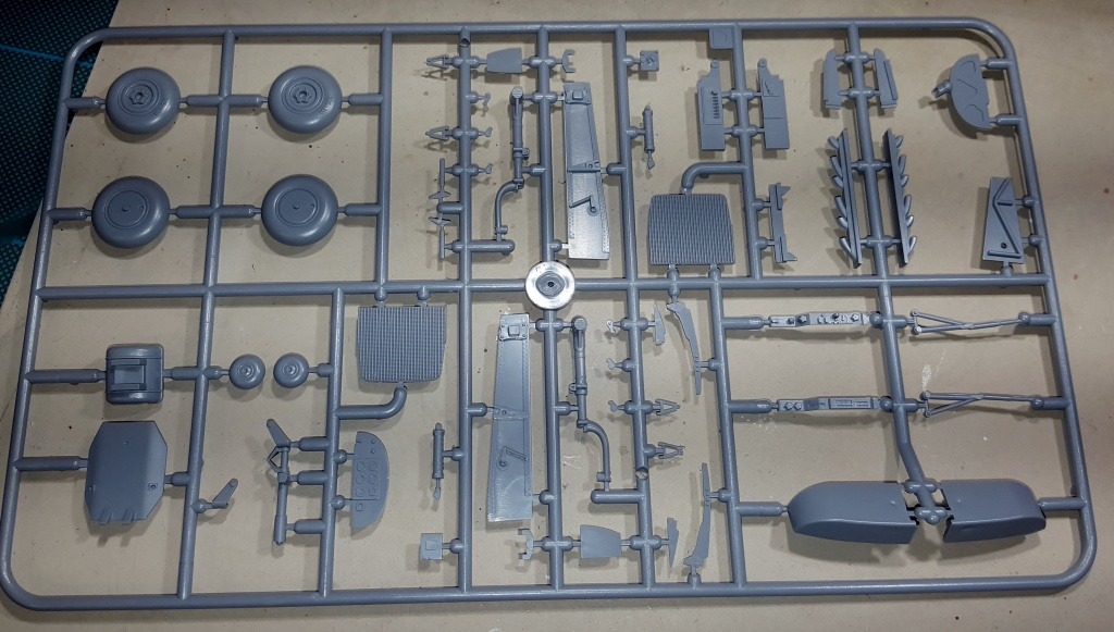 YAK 3 - Normandie Niemen 1/32 Special Hobby 69449420160913221817