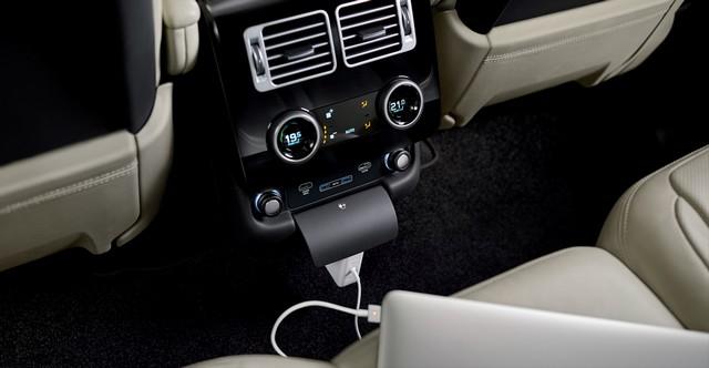 Le Nouveau Range Rover intègre dans sa gamme une motorisation essence hybride rechargeable 694527rr18mydetail10101710