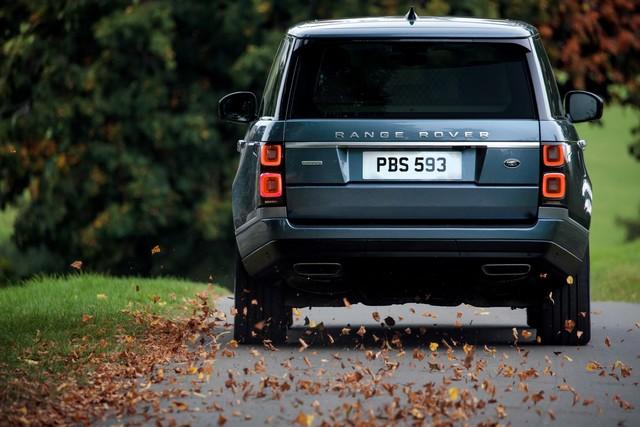 Le Nouveau Range Rover intègre dans sa gamme une motorisation essence hybride rechargeable 695190rr18myonroad10101704