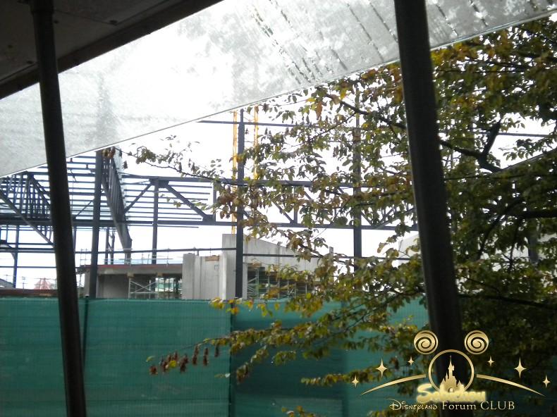 Construction du Dark Ride Ratatouille pour 2014 - Page 40 700452DSCN9957border