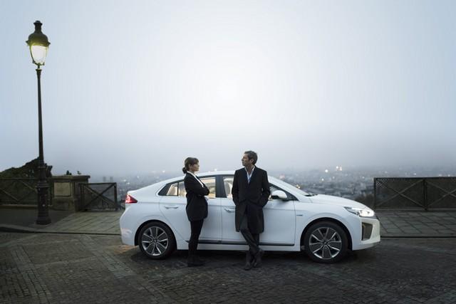 Hyundai IONIQ électrise la toile avec « l'After Electro Electric » 700667makingoff01