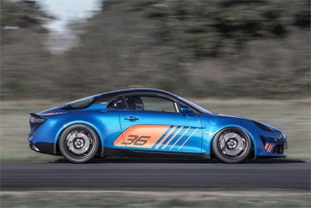 Alpine A110 Cup : une authentique voiture de course, taillée pour les plus grands circuits européens 706717211987062017AlpineA110Cup