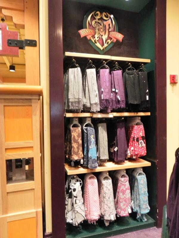 Les accros du shopping à Walt Disney world - Page 2 707069SAM4487
