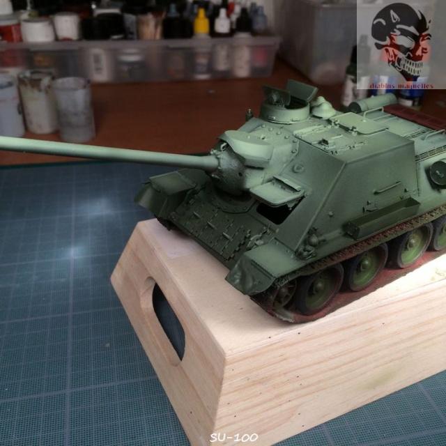 SU-100 marque Dragon 1/35 708855IMG3890