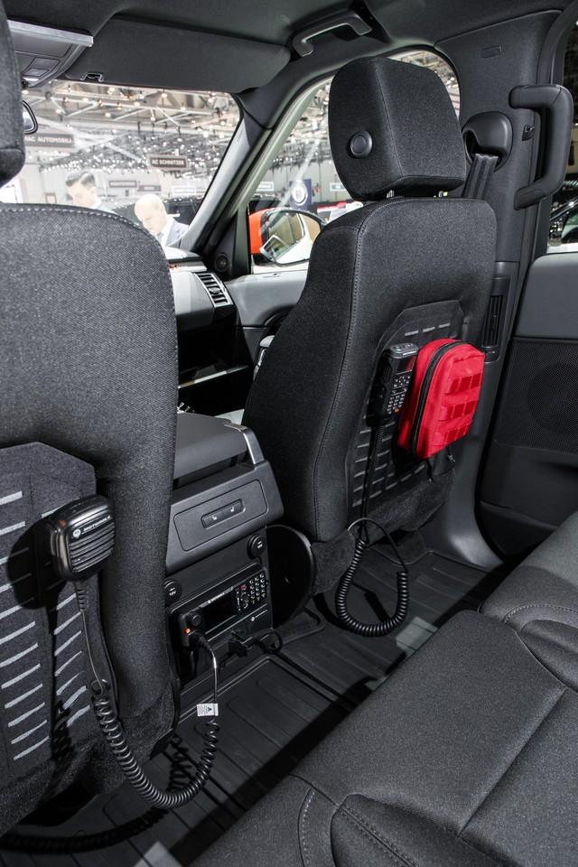 Project Hero, une version unique du nouveau Land Rover Discovery pour la Croix Rouge autrichienne  709323lrnewdiscoveryprojecthero07021723