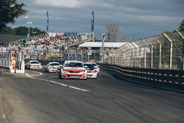 Les 308 Racing Cup À Toute Vitesse À Dijon  7208155921320b76675