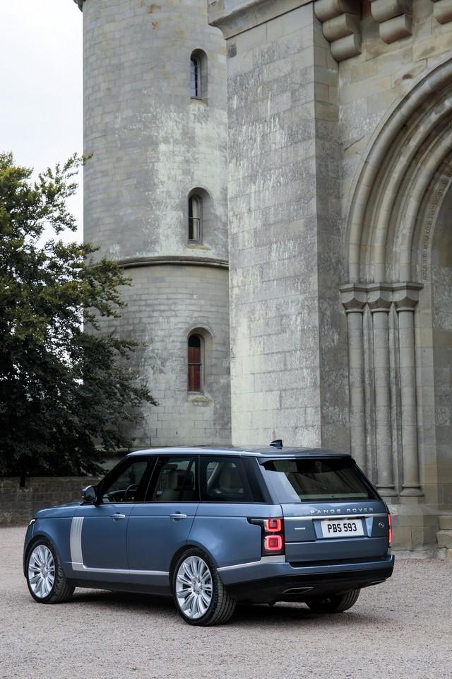 Le Nouveau Range Rover intègre dans sa gamme une motorisation essence hybride rechargeable 720892rr18mystatic10101709