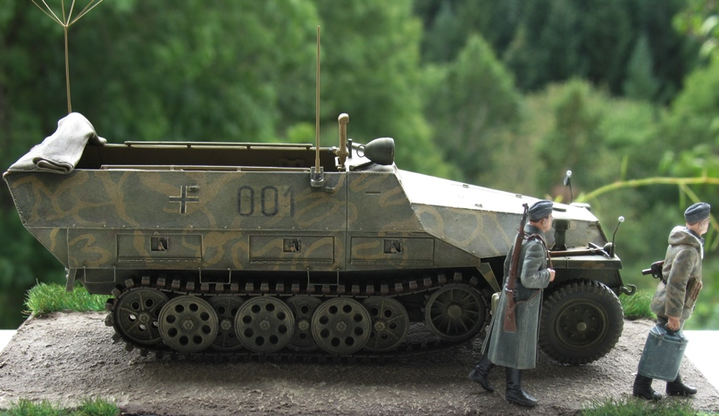 sd.kfz 251/3 Ausf D early  AFVclub 1/35 721948IMG0013