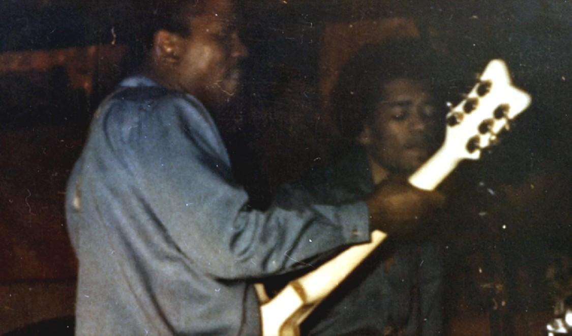 Curtis Knight featuring Jimi Hendrix: Live at George's Club 20 1965 & 1966 (2017) 723348JimiandCurtisKnightcouleur1