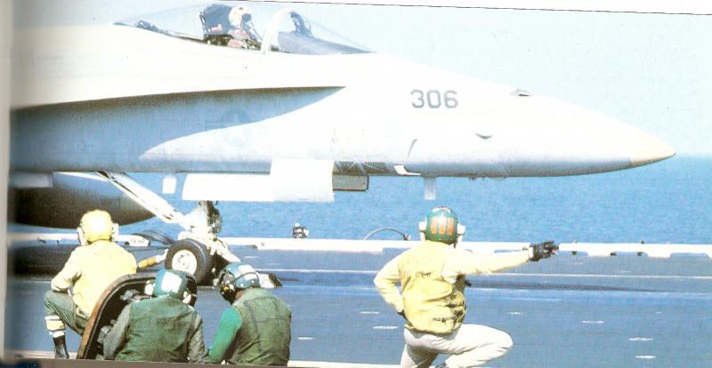 MCDONNELL-DOUGLAS F/A-18 HORNET  726916F18_catapultage