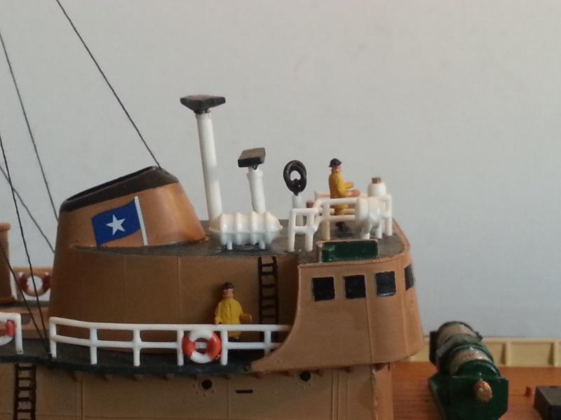 NorthSea Fishing Trawller de Revell au 1/142° - Page 3 727876CH32
