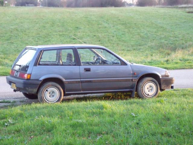 Honda Civic 1,5L GL de 1987. 734640matrombi002jpg