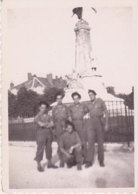 Recherches d'informations sur Bernard SENUT engagé au 1 er Bataillon De Choc 734853Dijon1reCie