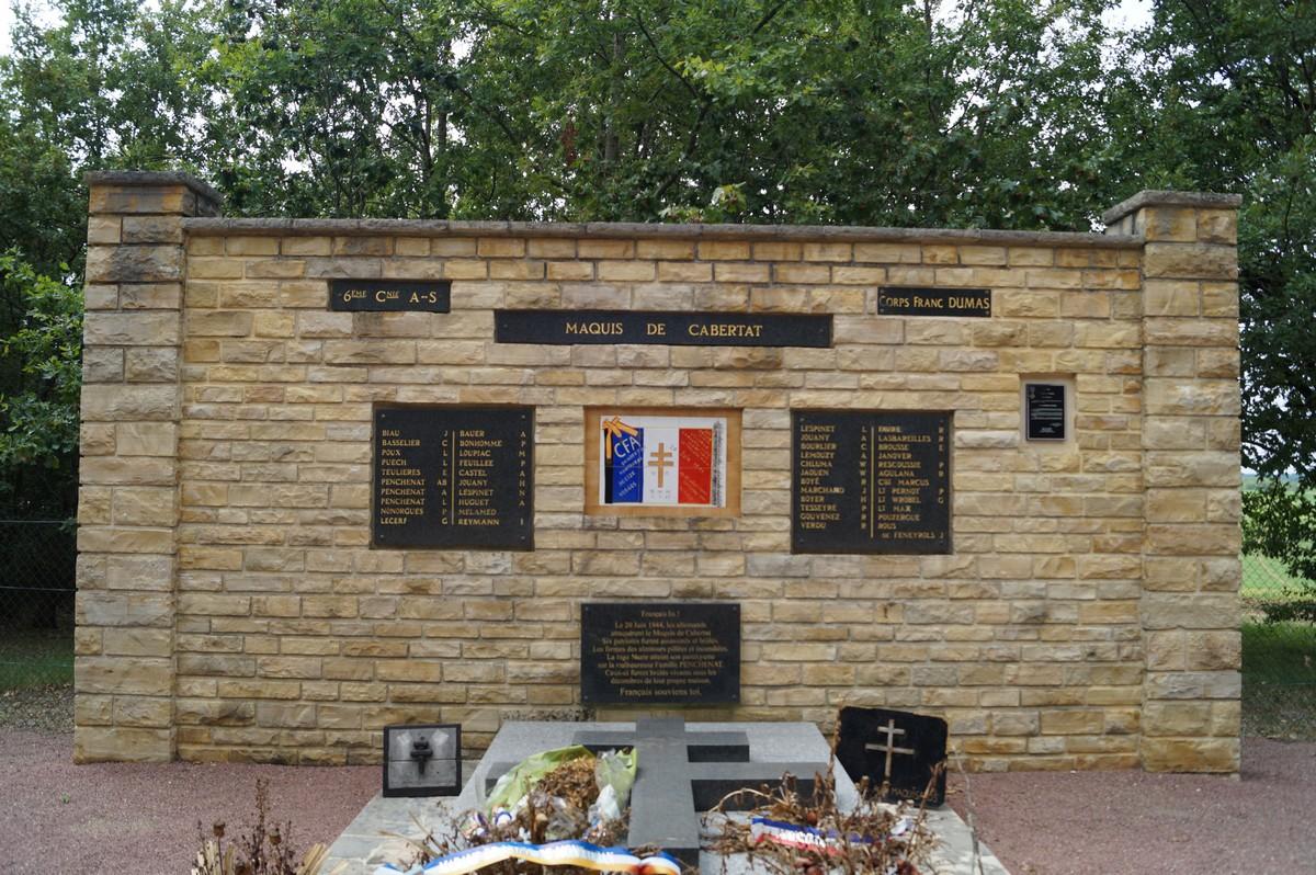 [Histoires et Histoire] Monuments aux morts originaux Français Tome 1 - Page 30 735411DSC03437