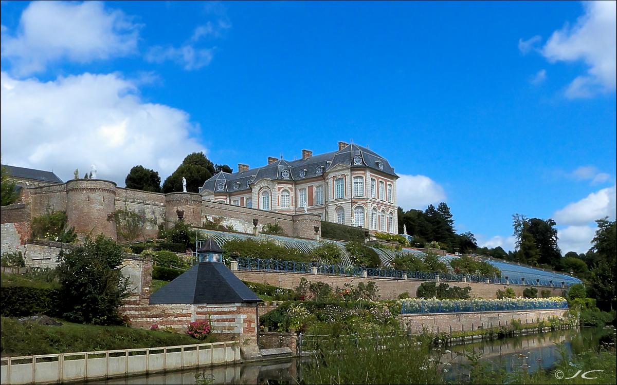 Un peu partout en Picardie et haute Normandie - Page 4 736135chateaudelong1200