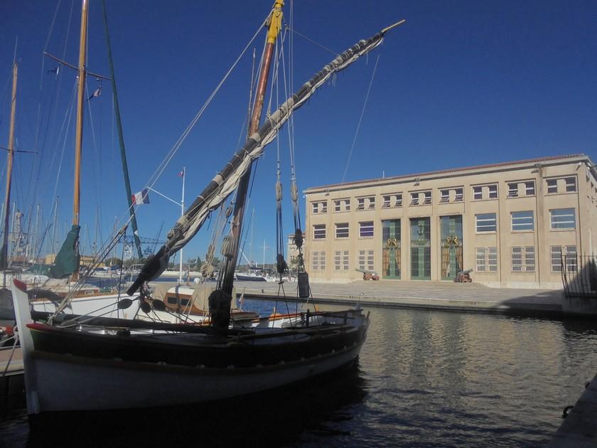 [Les Ports Militaires de Métropole] Visite de la rade de Toulon - Page 14 737141DSC03756