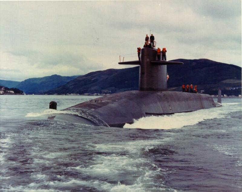 SOUS MARINS NUCLEAIRES LANCEURS D'ENGINS CLASSE OHIO 740591USSHenryClayjpg