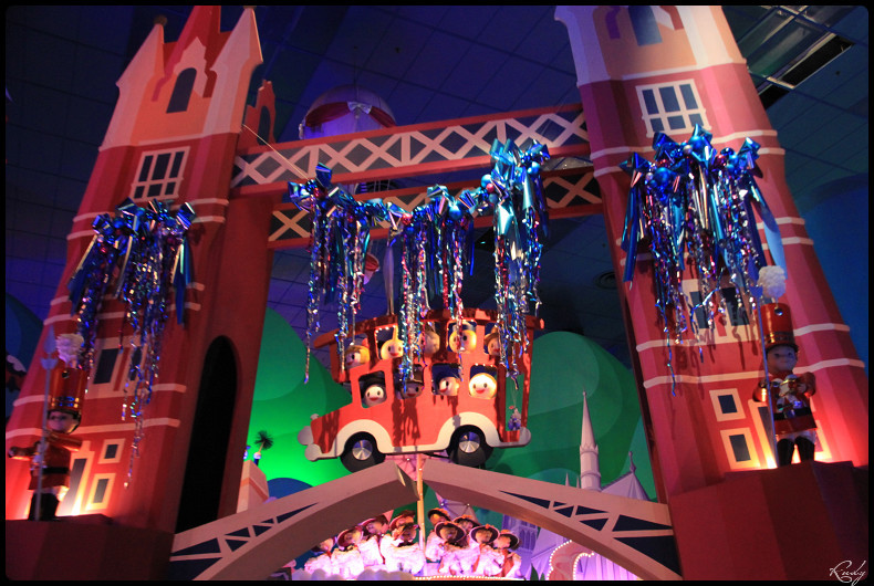 It's small world re- décoré  pour Noël - Page 5 744374IMG0491border