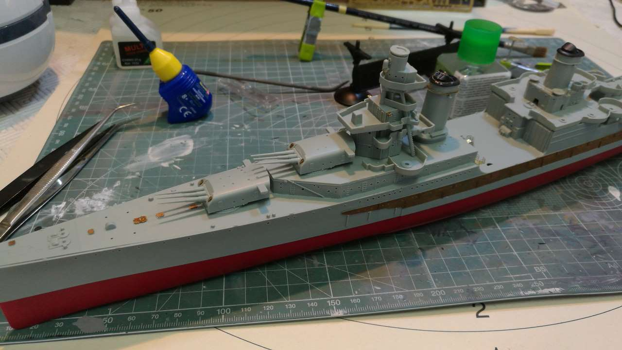 USS Indianapolis 1/350 Academy - 1945 - Page 3 745367Indianapolis38