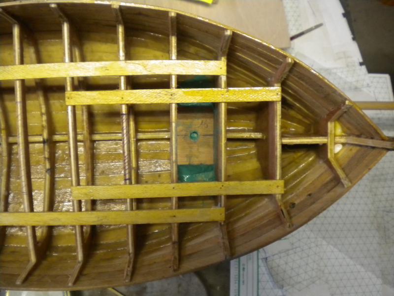 barque chalutiére au 1/20è d'après plans - Page 2 748523DSCN2177