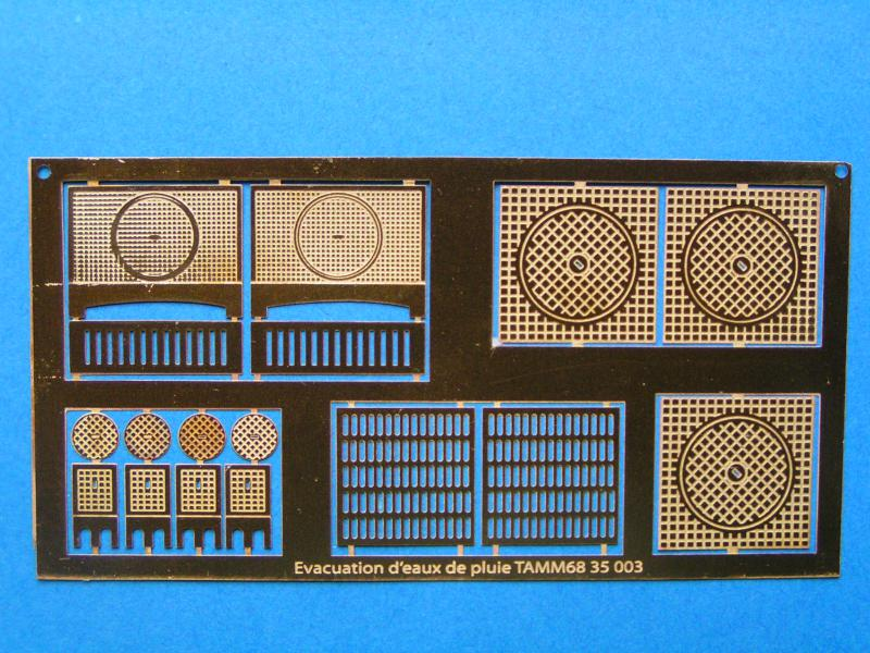 service de table et grilles en photodécoupe 751022PICT0079