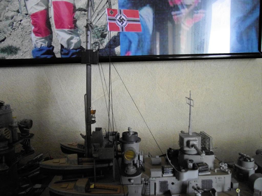 Bismarck Trumpeter 1x200 avec PE et figurines Eduard 752489Bismarck1x200119