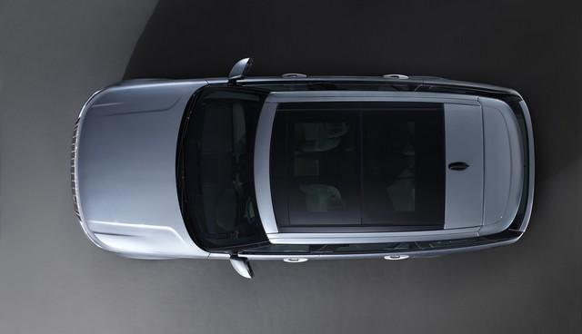 Le Nouveau Range Rover intègre dans sa gamme une motorisation essence hybride rechargeable 753578rr18mystatic10101708