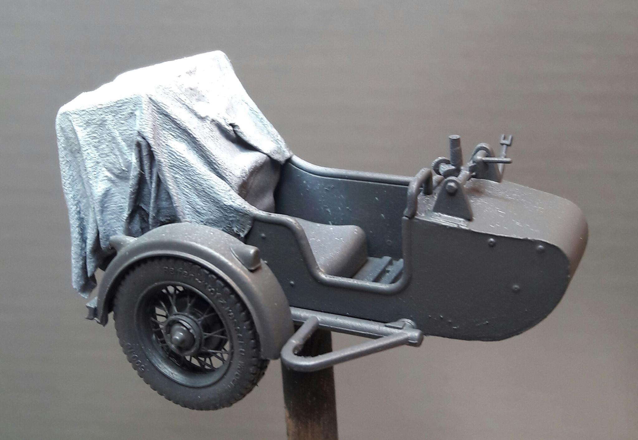Zündapp KS750 - Sidecar - Great Wall Hobby + figurines Alpine - 1/35 - Page 4 75854219885824102117676390809861606511282o
