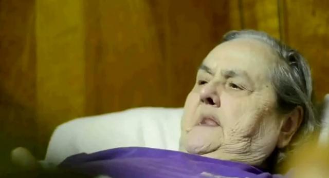 A 74 ans, j'aime faire l'amour. 763406skyrimoghcoldgrandmahardcoremamie